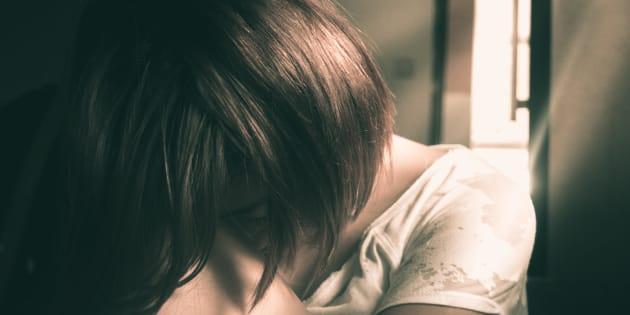 Barista legata e stuprata per ore a Piacenza, si cerca l