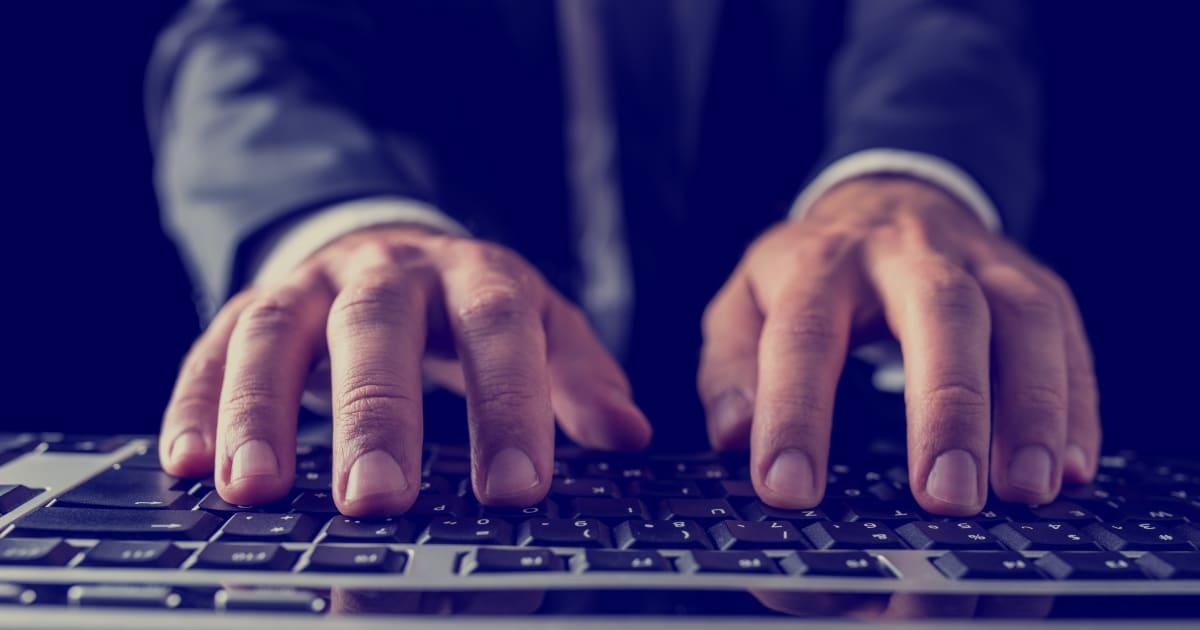 Tutto ciò che un attacco hacker potrebbe rubarti da Facebook e che dovresti cancellare