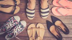 C'est l'heure des sandales, tennis et autres chaussures plates et ce n'est pas une bonne nouvelle pour vos