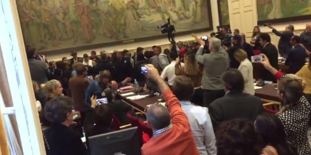 À Béziers, le Conseil municipal sur le référendum anti-migrants vire au pugilat