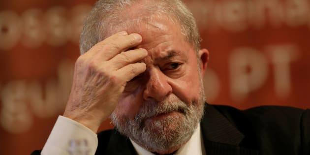 Moro também já determinou o bloqueio de três imóveis do líder petista, incluindo sua residência, e de dois automóveis.