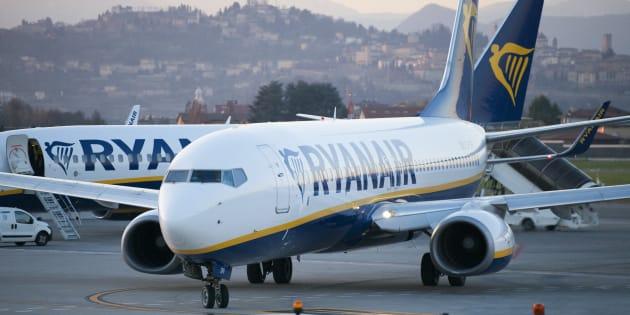 Un avión de Ryanair, en la pista del aeropuerto de Bergamo-Orio, en Italia.