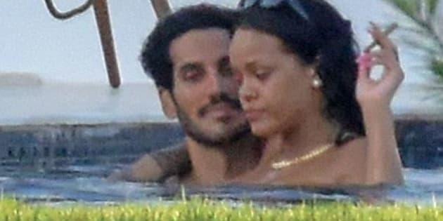 Rihanna et son nouveau petit copain dans la piscine.
