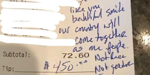 Au café Busboys and Poets, on n'a pas l'habitude de recevoir des militants pro-Trump. La réaction de cette serveuse a sauvé la situation.
