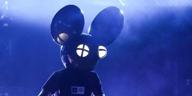 Deadmau5, aussi connu pour mixer avec une tête de souris.