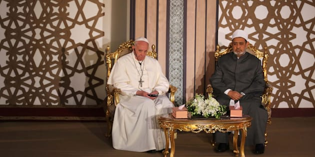 Pope Francis sits next to Ahmed al-Tayeb, Grand Imam of Egypt's al-Azhar Institution during their meeting in Cairo, Egypt April 28, 2017. REUTERS/Mohamed Abd El Ghany