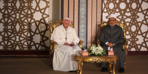 Il Papa parte per l'Egitto, ma non userà l'auto blindata: