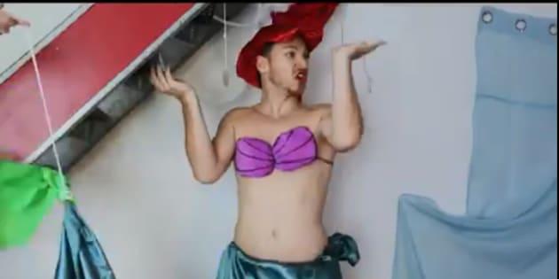 "Capture d'écran de la vidéo d'Alex Ramires, ""La petite sirène version low-cost"""