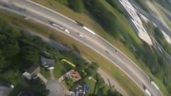 El vídeo del móvil que cae desde una avioneta y sigue
