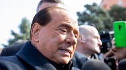 Berlusconi vuole la foto a tre del
