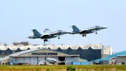 米軍機2機が空中接触、高知県沖に墜落。1人が救助、他は安否不明