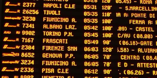 Incubo neve a Roma, treni in ritardo di tre ore