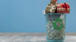 Faut-il mettre le papier cadeau dans la poubelle