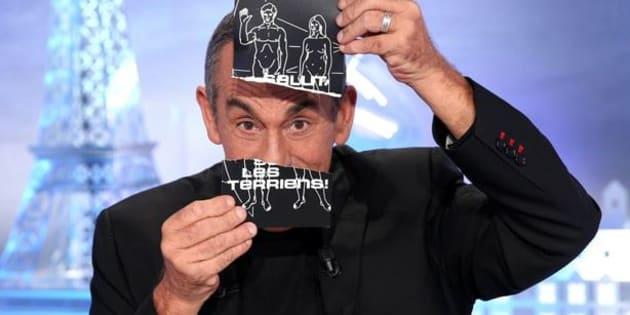 """""""Salut les Terriens!"""": Thierry Ardisson réagit aux propos polémiques de Karl Lagerfeld sur les migrants"""