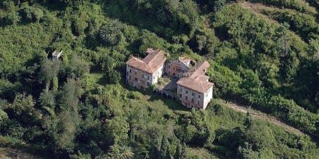 Un'immagine della storica villa Massoni di Massa, dove è avvenuto l'omicidio, tratta dal sito web del FAI, 01 novembre 2017.   ANSA/FAI