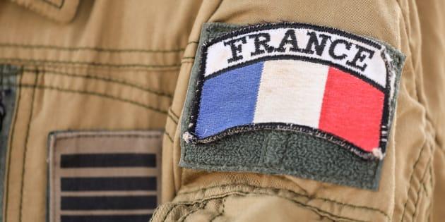 Un soldat français de l'opération Barkhane au Sahel, sur la base de Niamey au Niger le 22 décembre 2017.