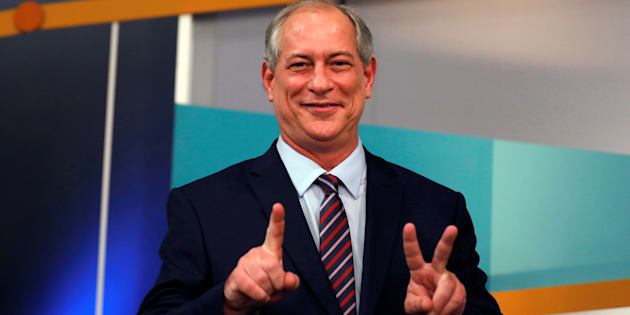 Ciro Gomes fez dancinha atrás do púlpito no debate da TV Gazeta.