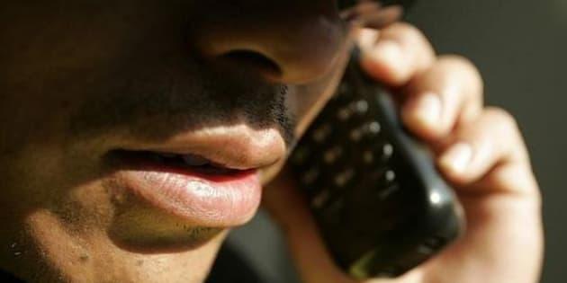 Los ciudadanos pueden denunciar ante la Fepade y el INAI estas llamadas.