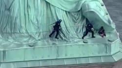 L'île de la statue de la Liberté évacuée après qu'une manifestante a escaladé le