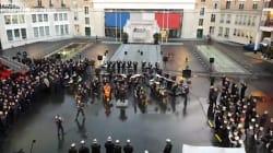 Le vibrant concert des pompiers de Paris en hommage à Johnny