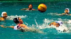 水球女子、合宿打ち切り 男子監督の批判投稿で選手動揺