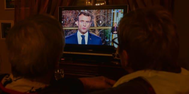 """""""On s'attendait à ce qu'il mette les Gilets Jaunes au cœur de son intervention. Il leur a préféré le cœur de son électorat."""""""