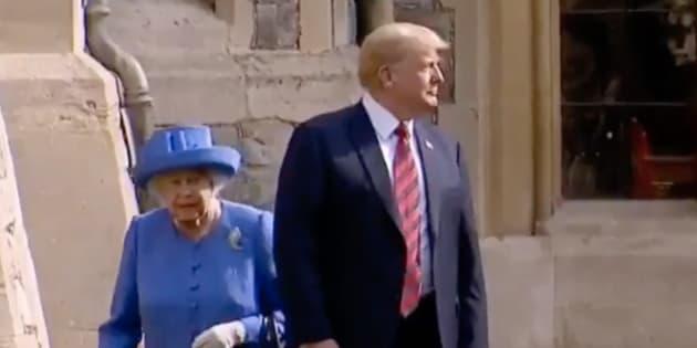 Face à Elizabeth II, Trump n'a pas manqué à l'étiquette. Mais il a tout de même offert une étrange séquence...