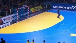 Le but gag d'Abalo lors de l'écrasante victoire des Bleus au Mondial de