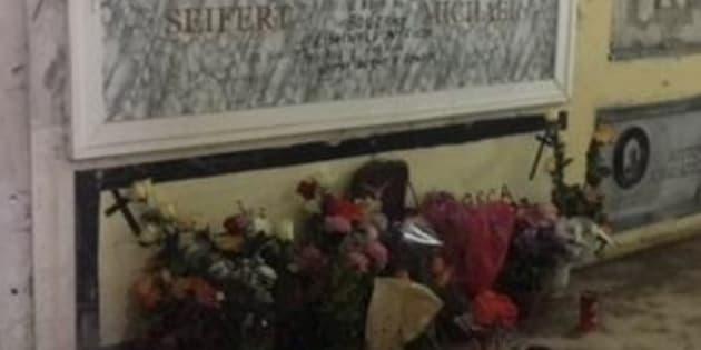 """Fiori per Michael Seifert, il nazista """"boia di Bolzano&"""
