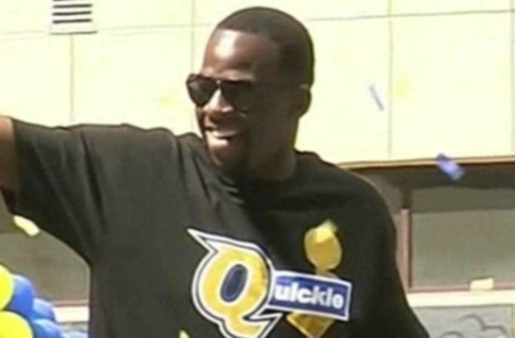 online store 9d5c7 6502c Draymond Green trolls LeBron James with 'petty' shirt at ...