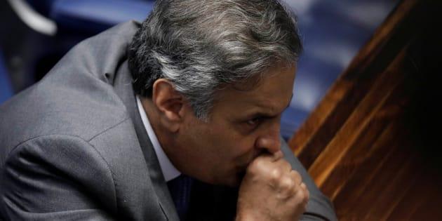 Decisão de enviar inquérito de Aécio para a Justiça de Minas Gerais ocorreu depois de o STF restringir o uso da prerrogativa do foro privilegiado.