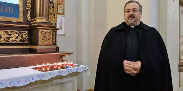 Il parroco di Grantorto, in provincia di Padova, toglie le c