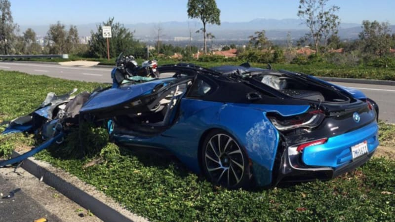 When A Car Like Bmw I8 Is Totaled It S The End Of Not Just Superb Machine But Also Work Art In Scene Reminiscent Wile E