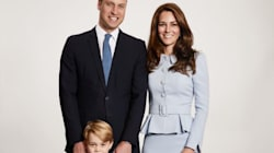 William e Kate fanno ufficialmente gli auguri di Natale alla nazione, ma Kate non ha la pancia (e c'è un