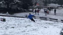 Avec la neige, la Butte Montmartre s'est transformée en véritable piste de