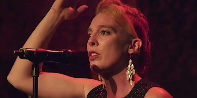Barbara Weldens è morta: la cantante francese folgorata sul palco