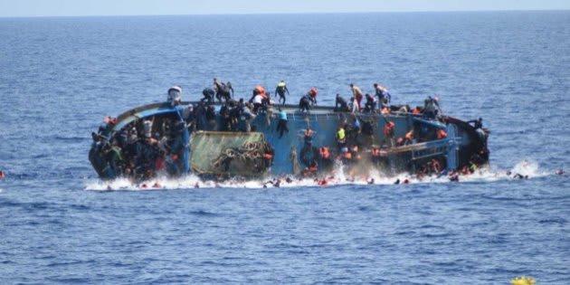 Imagen de archivo del momento de un naufragio en el Mediterráneo.