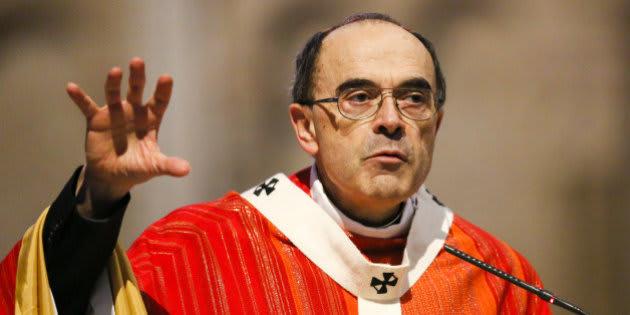 """Le cardinal Barbarin reconnaît son """"réveil tardif"""" face aux abus sexuels"""