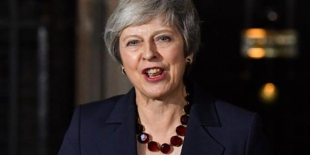 Brexit targata Bruxelles: May convince il governo a fatica,