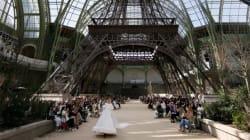 Chanel monta una segunda torre Eiffel en el centro de