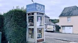 Dans ce village normand, la cabine téléphonique inutilisée est devenue une bibliothèque (et fait des