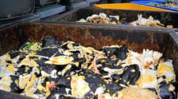 節分に食べる「恵方巻き」の大量廃棄が大きな問題に。スーパーやコンビニ各社の対応は?