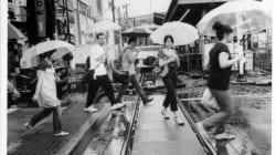 再開発反対運動を記録した映画『下北沢で生きる』。