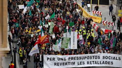 Universitarios, médicos, profesores y funcionarios exigen a Torra el fin de los