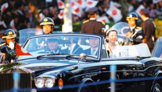 新天皇パレードは国産新車を購入 首相周辺「外国車なら批判も」