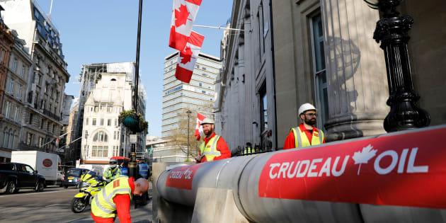 L'annonce du ministre des Finances Bill Morneau d'indemniser l'entreprise contre toute perte financière qui pourrait découler de l'opposition de la Colombie-Britannique au projet de pipeline ravive le débat concernant l'acceptabilité sociale pour les projets sous juridiction fédérale.