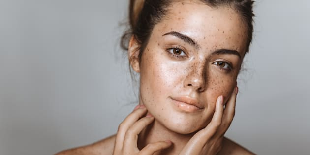 7 produits que les dermatologues ne mettront jamais sur leur peau.