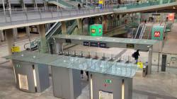 TORINO - Scivola dalle scale mobili della metropolitana e