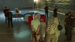 Les images du recueillement devant le cercueil de Simone Veil avant son entrée au