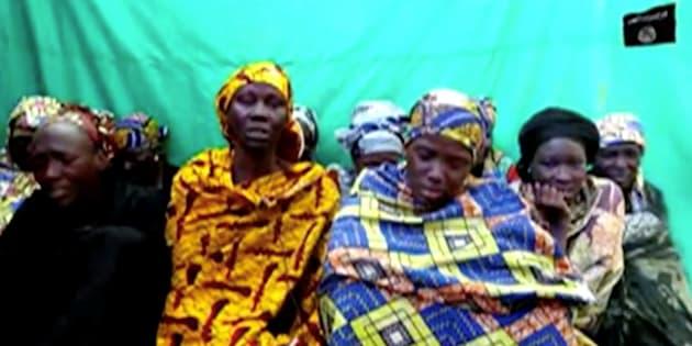 I terroristi di Boko Haram rapiscono 111 studentesse in Nige